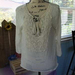American Eagle Outfitters Lacey Front Top Sz M
